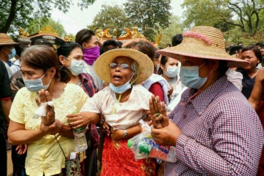 Hay condena internacional por la sangrienta represión en Birmania