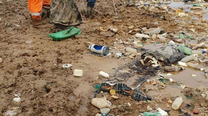 Encuentran un cadáver durante la limpieza del lago Uru Uru