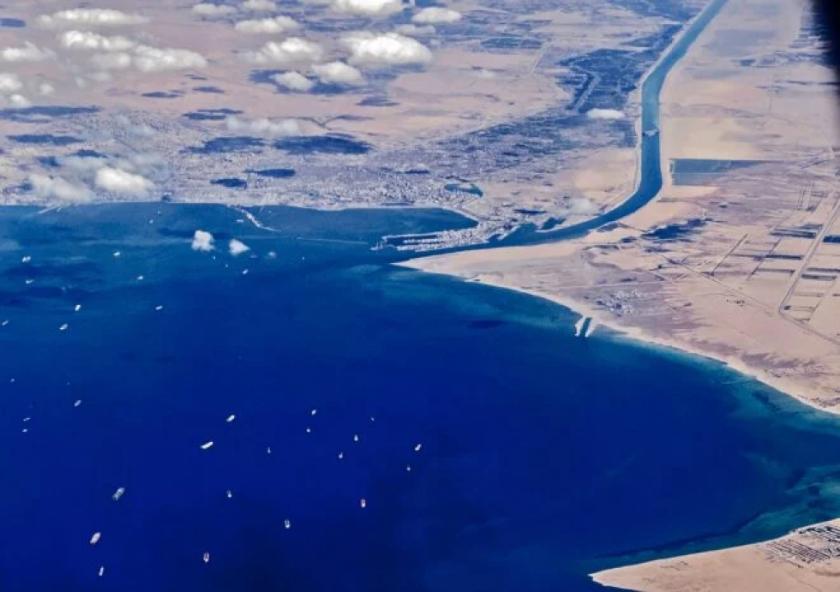 Egipto reclama 900 millones de dólares de indemnización por el bloqueo del canal de Suez