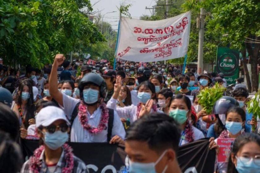 La ONU teme un conflicto generalizado en Birmania donde la oposición sigue en pie de lucha