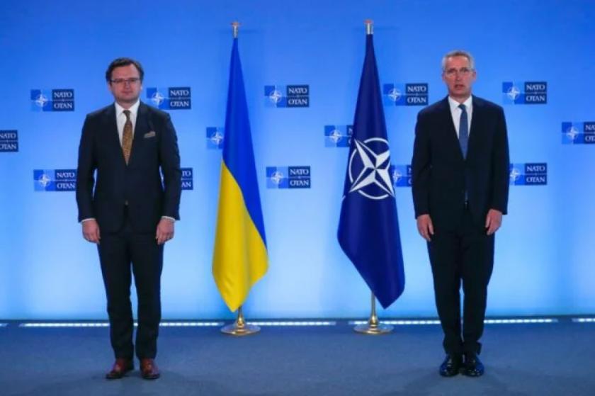 La OTAN y Rusia suben el tono en medio a agravamiento de las tensiones en Ucrania