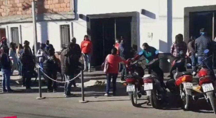 Luto en la comunidad boliviana en Argentina tras muerte de una familia en accidente