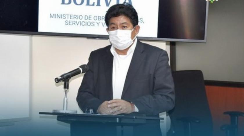 Piden investigar al Ministro de Obras Publicas por presunta corrupción y solicitarán reabrir caso tractores