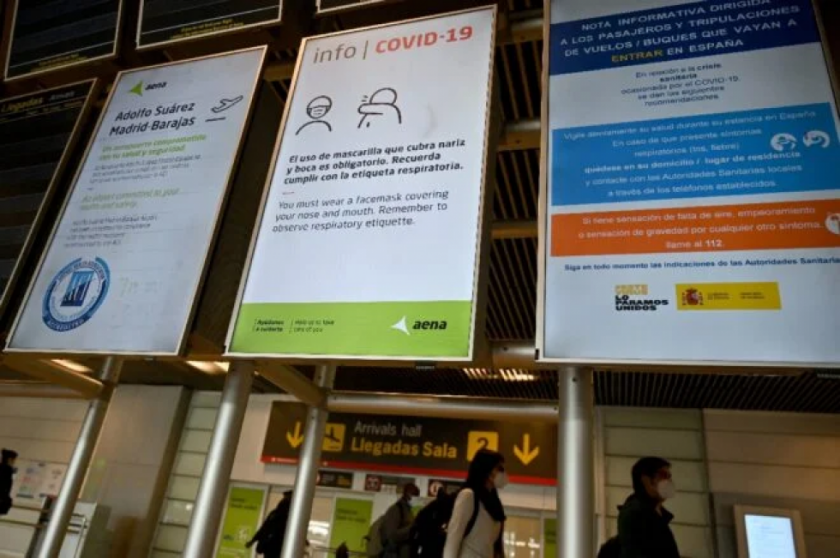 Determinan cuarentena obligatoria en España para viajeros de Brasil, Perú, Colombia y nueve países africanos
