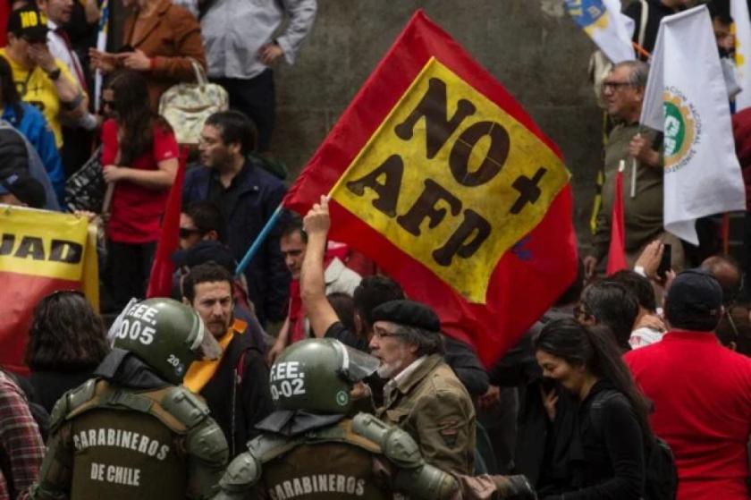 Chile se encamina a un tercer retiro de fondos de pensiones