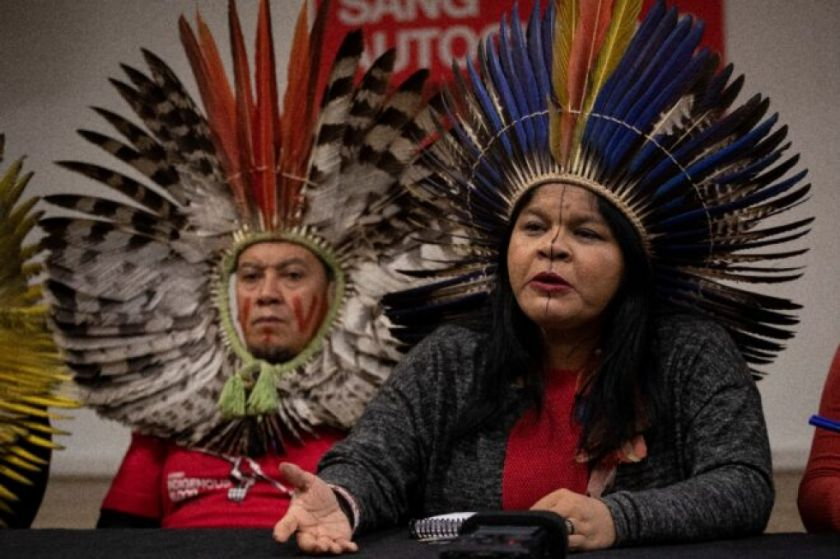 """Líder indígena convocada por la policía por """"difamar"""" al gobierno de Bolsonaro"""