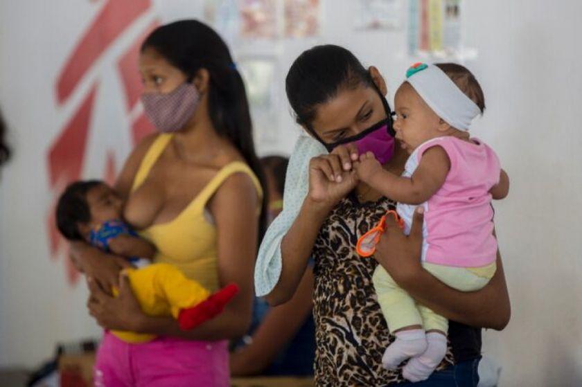 Educación sexual y anticonceptivos gratis para frenar embarazo precoz en Venezuela