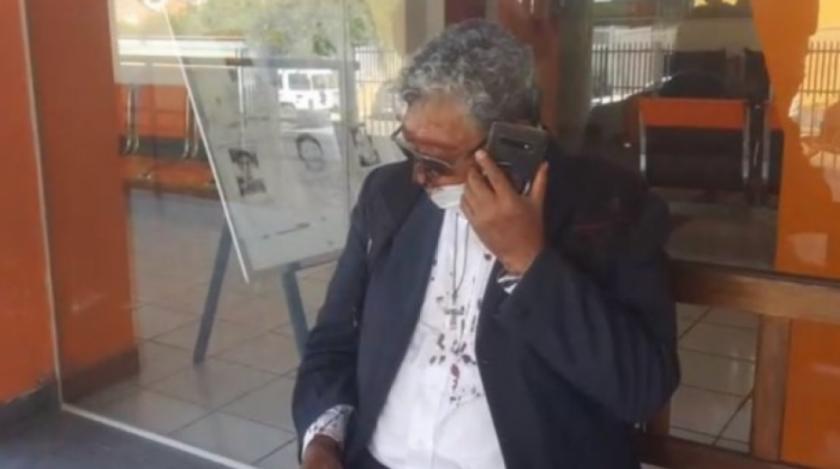 Funes denunciado de falso cura y que lanzó tomates a Reyes Villa fue agredido físicamente