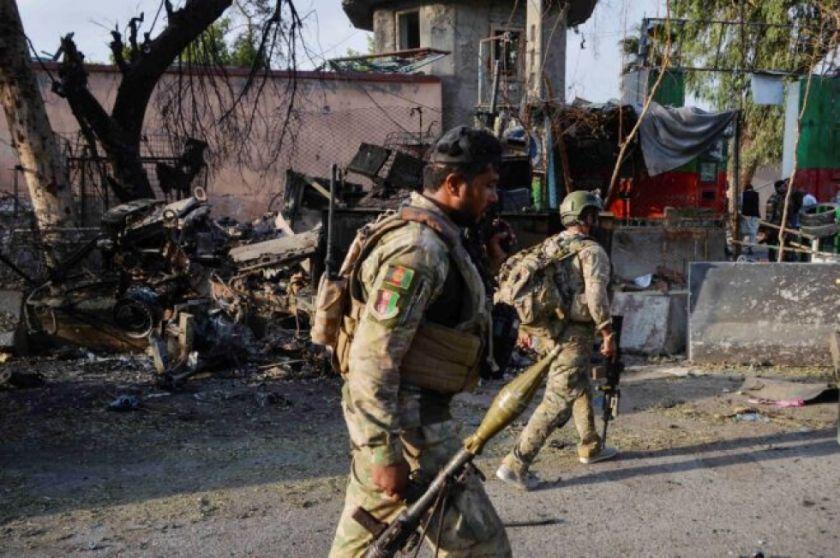 Talibanes se hacen con el control de distrito cercano a capital afgana