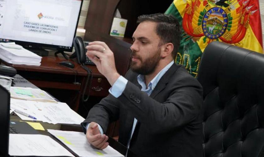 Gobierno afirma que busca la extradición de Arturo Murillo a través de dos vías