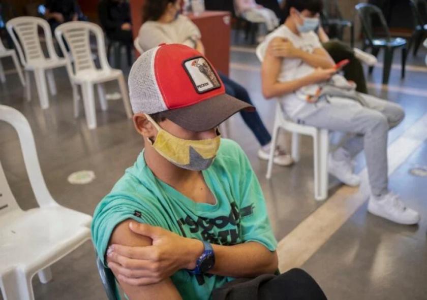 Uruguay, primer país de Latinoamérica en vacunar a menores contra covid-19
