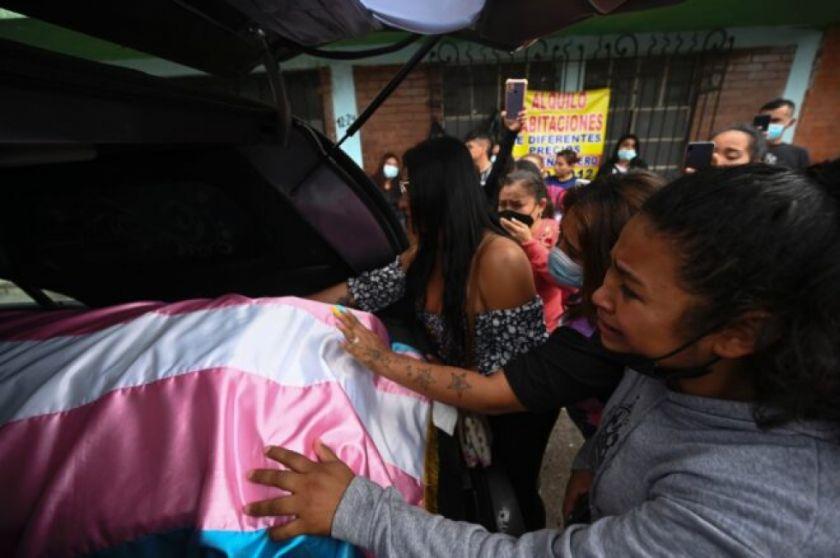 Piden en Guatemala justicia durante sepelio de dirigente LGBTIQ+ asesinada