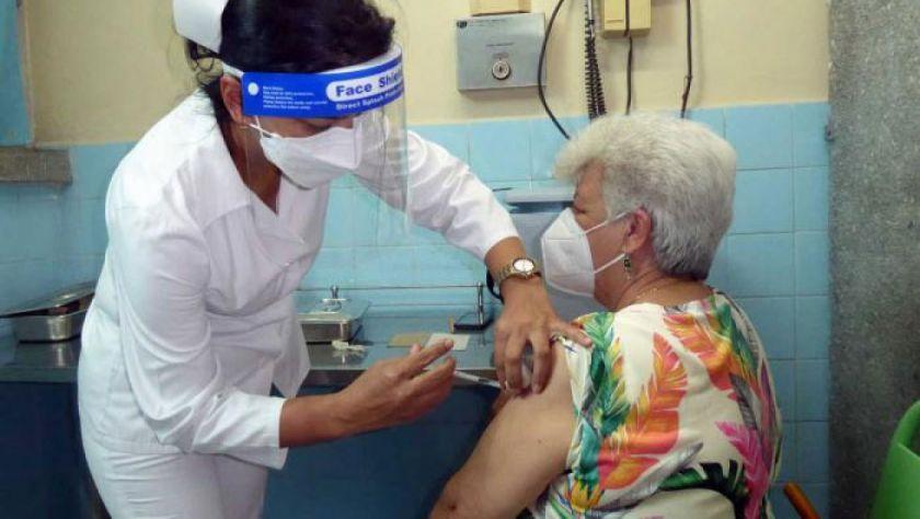 El MAS y organizaciones sociales aportarán para mandar jeringas a Cuba