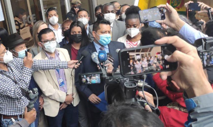 Presentan en Ecuador denuncia por la entrega de pertrechos militares a Bolivia en 2019
