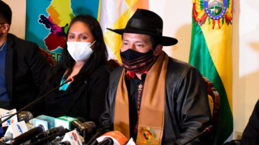 """Legisladores tildan de """"irresponsable"""" a gobernador paceño por negarse a comprar vacunas"""