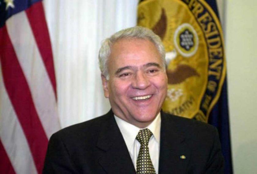 Aprueban informe para juicio de responsabilidades contra Sánchez de Lozada por el caso Enron