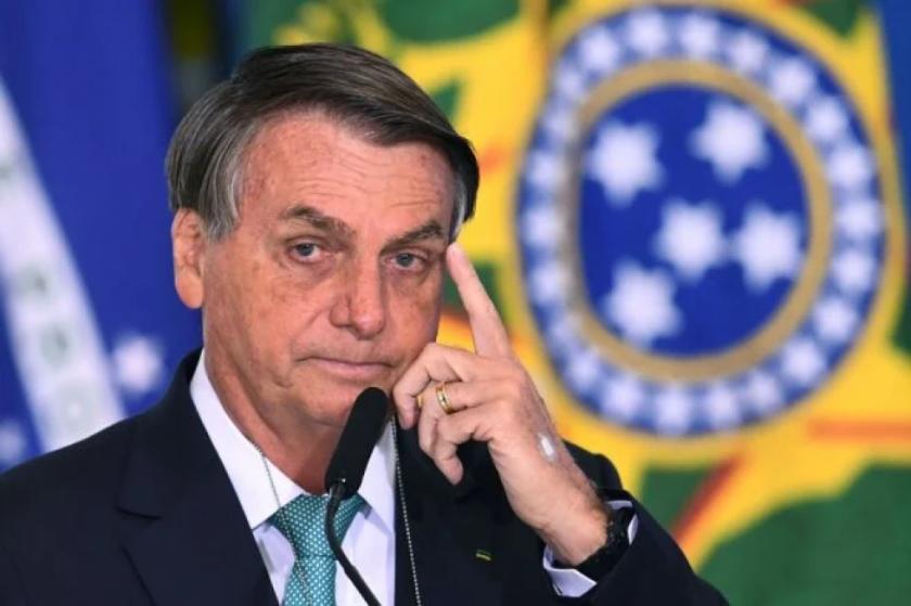 """Senadores brasileños piden investigar a Bolsonaro por """"prevaricación"""""""