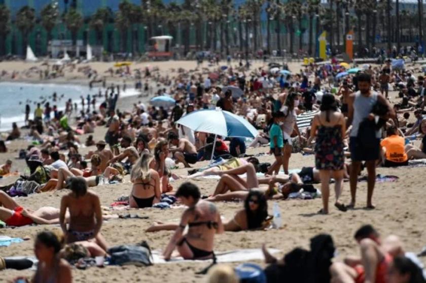 España mantiene sus objetivos turísticos pese a las restricciones a los británicos
