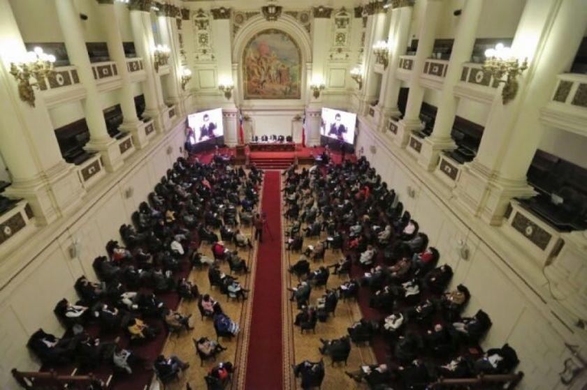 Luego de los tropiezos, la Convención Constituyente de Chile inicia su camino
