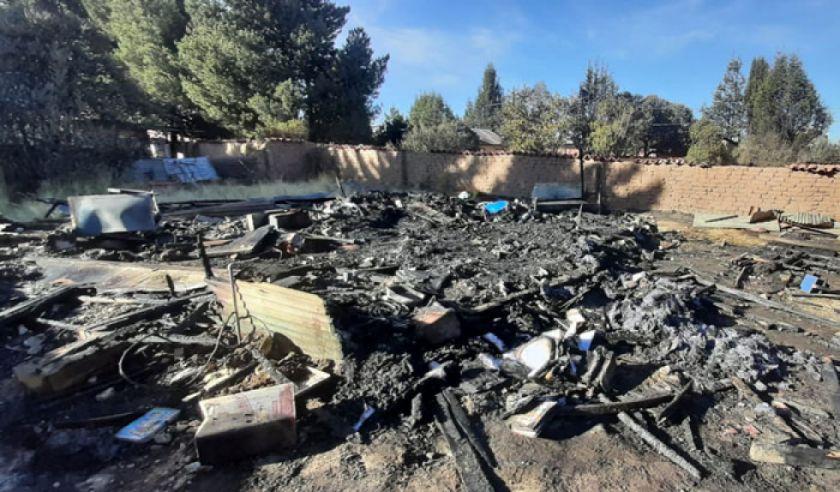 La Paz: Militar auxilió a su esposa y dos hijos antes de que incendio acabe con su vida y la de su niño menor
