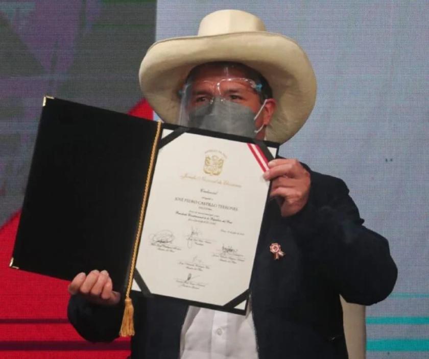 """Pedro Castillo descarta copiar """"modelos"""" extranjeros en Perú"""
