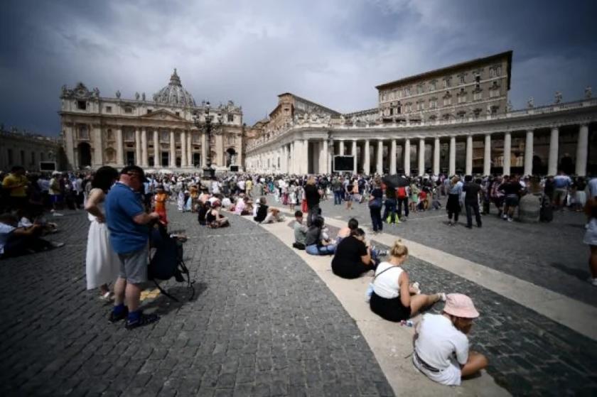 Se abre en El Vaticano juicio contra cardenal por escándalo financiero