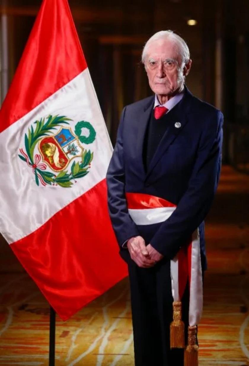 """Perú apuesta por """"renovación democrática"""" en Venezuela, dice nuevo canciller"""
