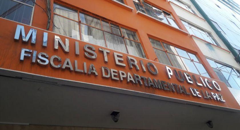 Investigan la muerte de dos personas, aparentemente por caída de edificio en La Paz