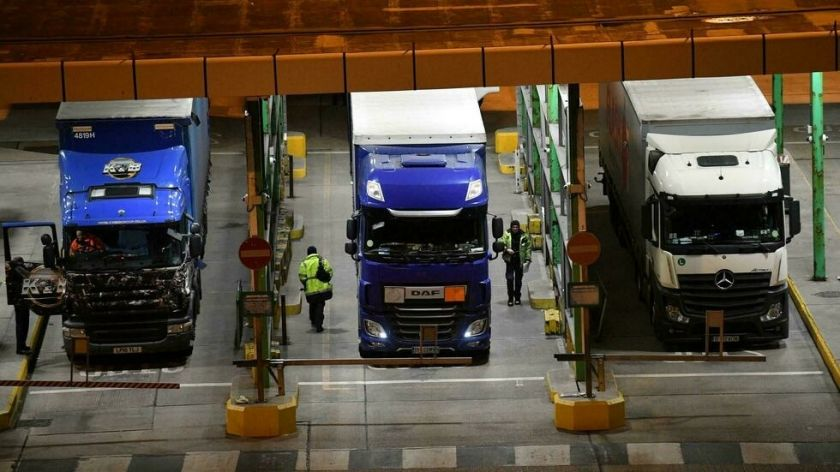 El Reino Unido retrasa controles aduaneros posbrexit con la Unión Europea
