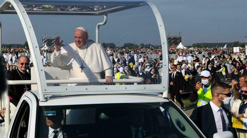 El Papa finaliza su viaje a Eslovaquia con un baño de multitudes