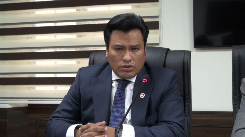 Denuncian a un policía y dos abogados por amedrentar a vocales de una Sala Constitucional en La Paz