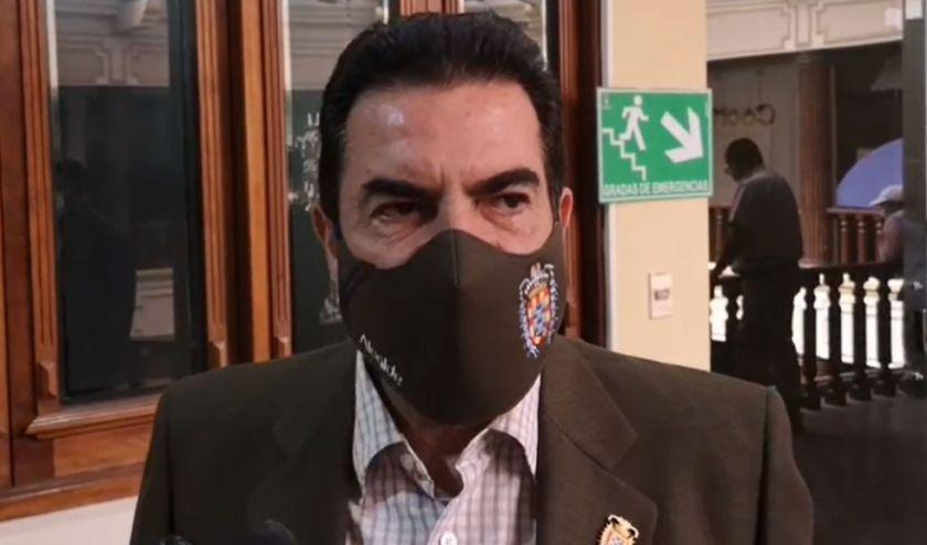 Reyes Villa denuncia 'golpe jurídico' e identifica a un magistrado al cual tilda de 'completamente masista'