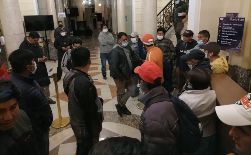 Se rompe el diálogo por Adepcoca y cocaleros anuncian que radicalizarán protestas