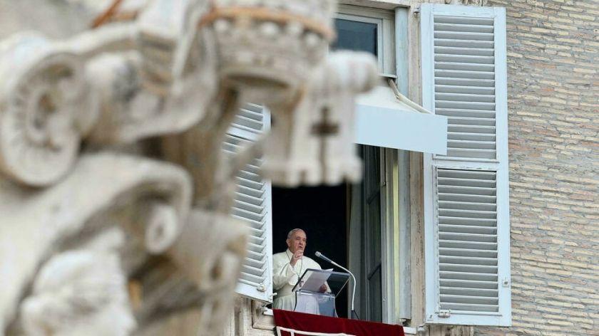 Absuelven a dos curas por presuntas violaciones en una residencia vaticana