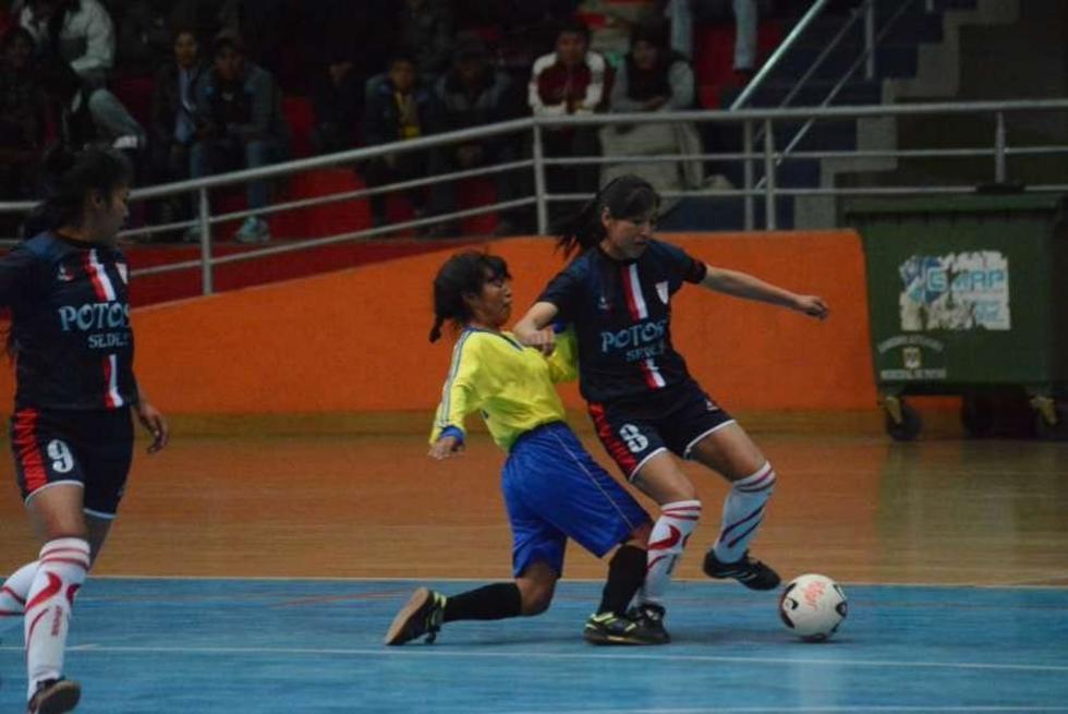 Potosí gana y avanza a su clasificación en el nacional de futsal