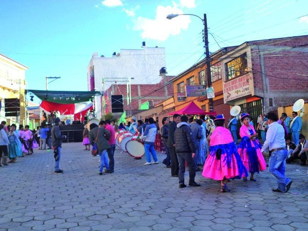 Los bailarines de plaza San Bernardo.