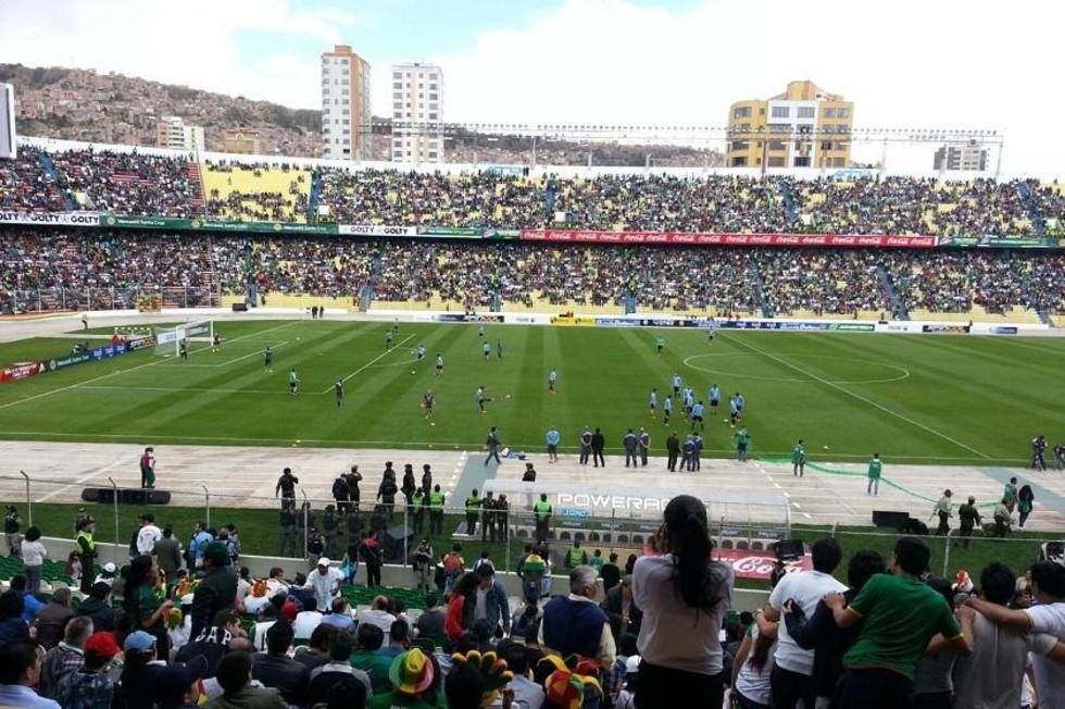 Bolivia-Uruguay se juega en el Hernando Siles. Foto: Javier Bascopé