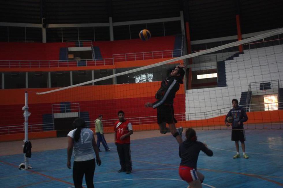 Santa Rosa debuta con Utepsa en el nacional de voleibol