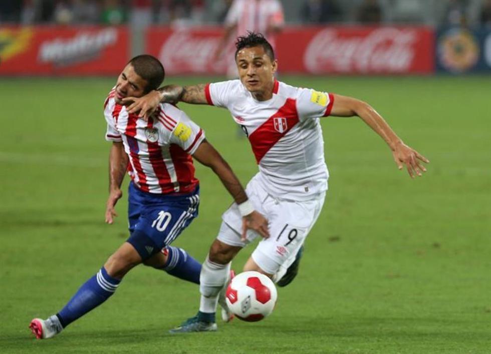 Farfán le da sus primeros tres puntos a Perú