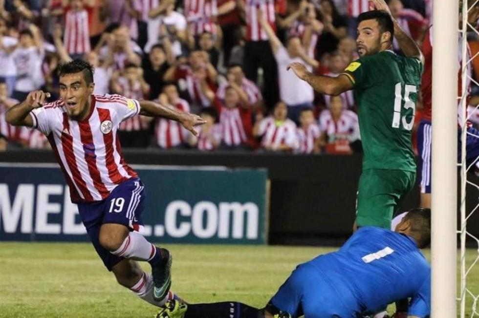 Lezcano celebra el primer gol del cuadro paraguayo. Foto: EFE