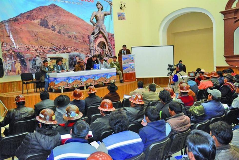 La cita minera contó con la participación de las instituciones.