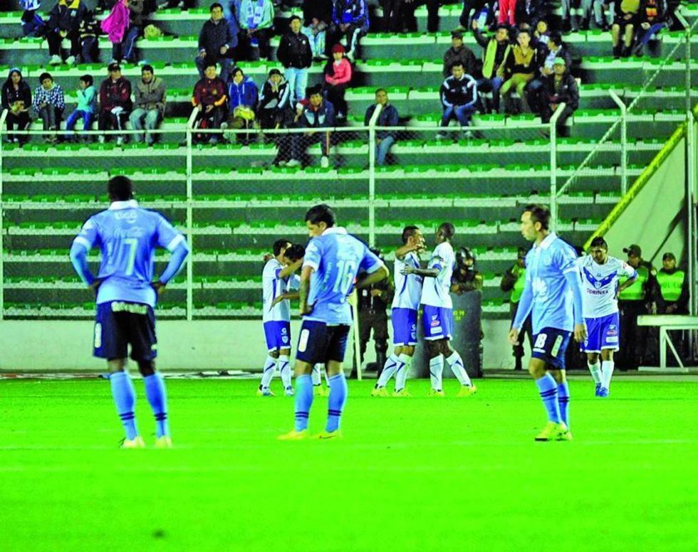 Bolívar es goleado y resta chances al tricampeonato