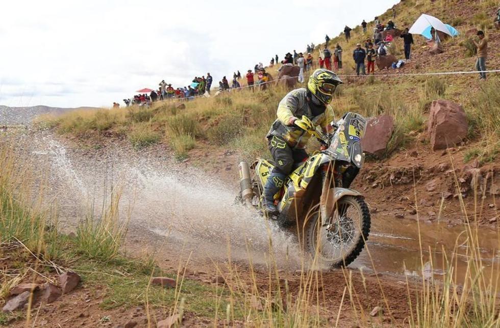 El eslovaco Stegan Svitko (KTM) compite en la cuarta etapa del rali Dakar.