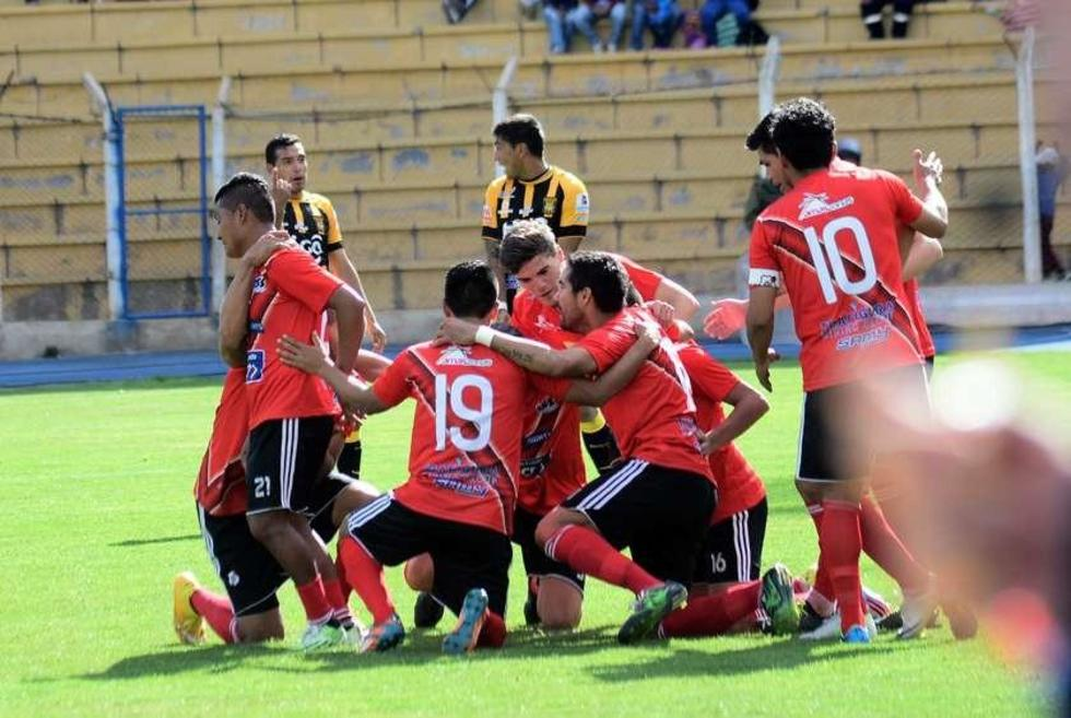 Nacional Potosí gana y se comprime la tabla del descenso