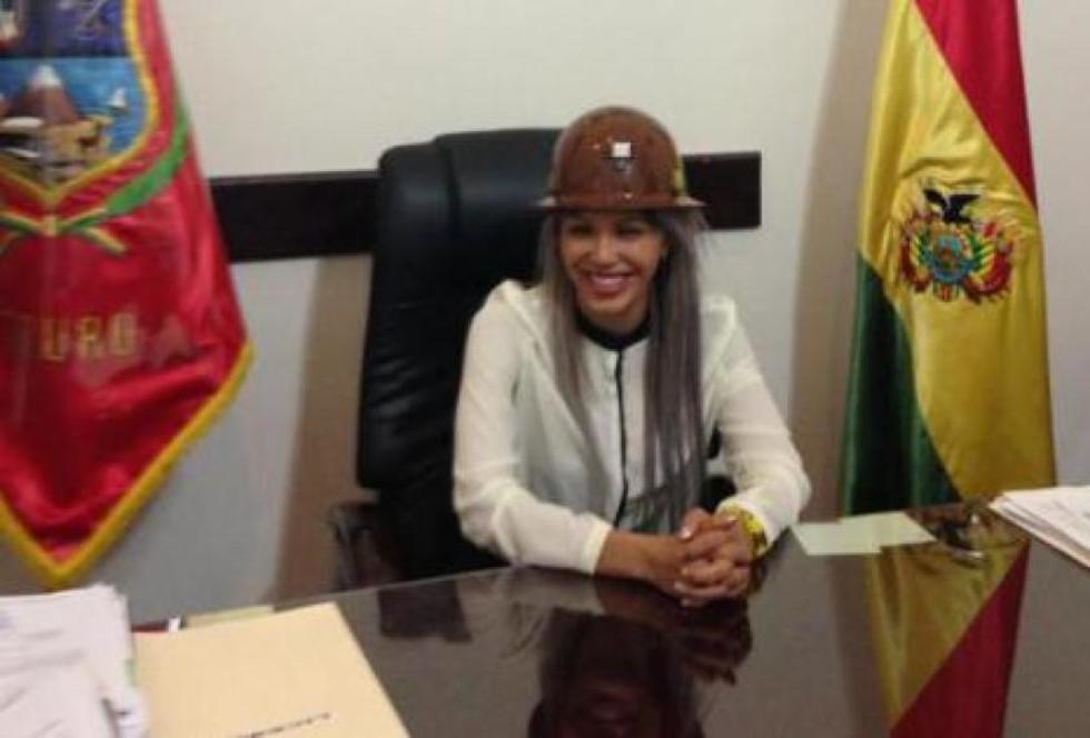 Gabriela Zapata en la que sería la Gobiernación de Oruro. Foto: Facebook