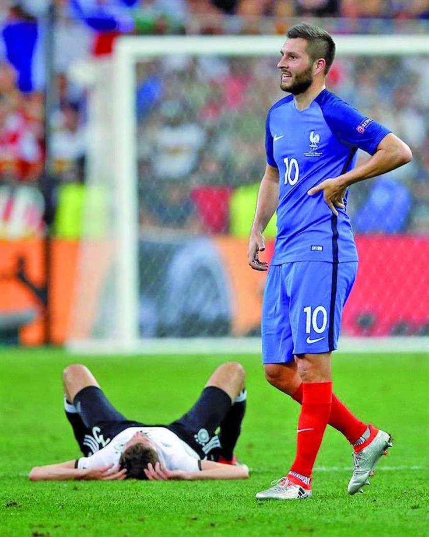 Uno de los jugadores alemanes se lamenta tras la derrota.