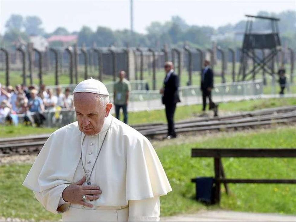 El pontífice guardó silencio durante su visita al campo de concentración nazi de Auschwitz, en Oswiecim,
