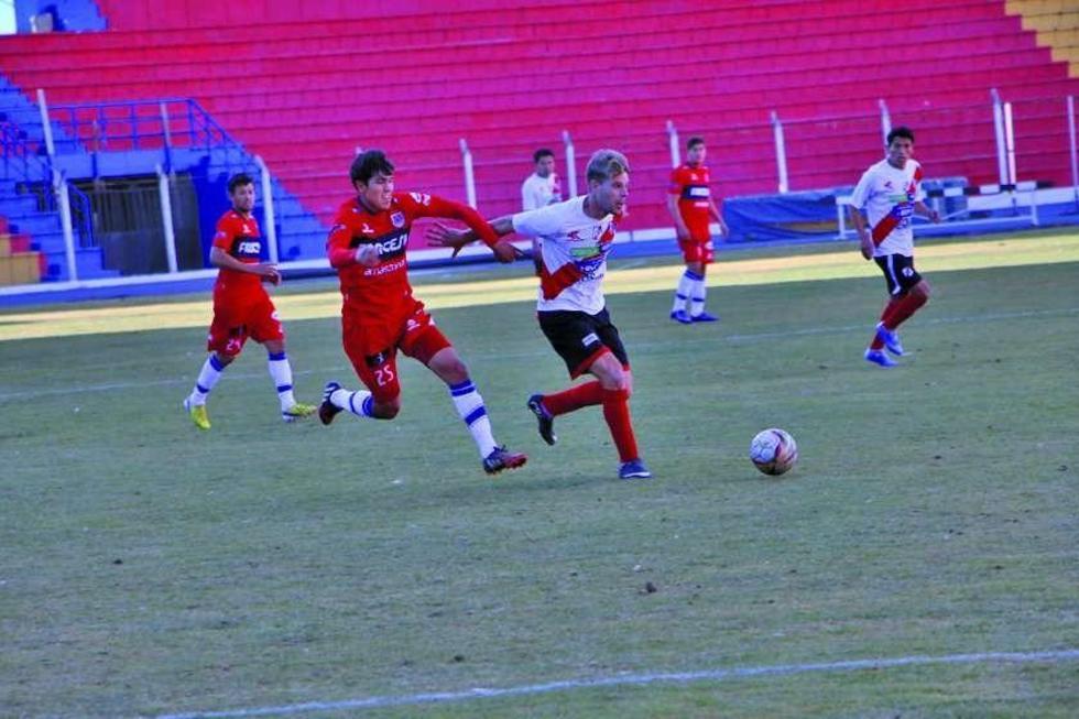 Nacional Potosí logra una victoria ante Universitario en su partido de prueba