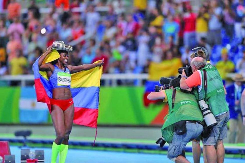 Caterine Ibargüen conquista el primer oro colombiano