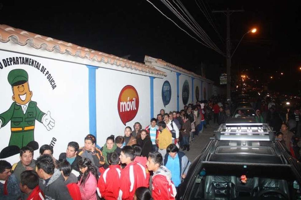 Colocan 7.000 localidades para el partido